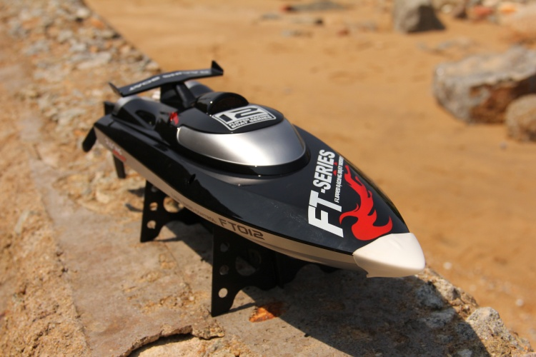 Feilun FT012 boat-Brushless motor Hight speed boat rc racing boat